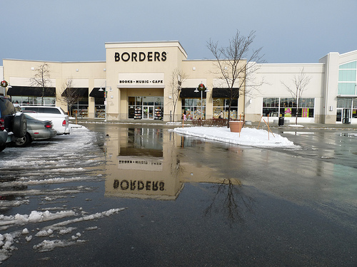 Borders Survey Results: Technology Played a Role in Bookstore's Demise