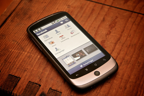 Facebook Mobile Survey: Mobile Platform Not Gaining Many Users