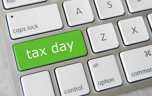 Tax Day Survey: Majority Expecting Refunds This Year