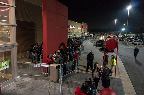 Black Friday Survey: Mix of In-Store, Online Buyers Likely