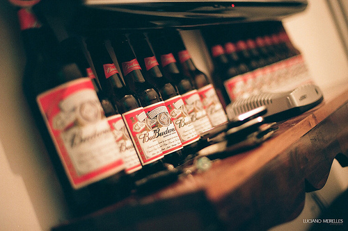 Campaign of the Week: Budweiser Camo Bottles Arrive in Time for Memorial Day