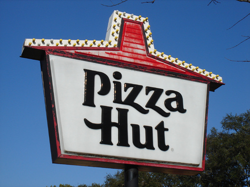 Ad Campaign of the Week: Pizza Hut Ad Stars Kristen Wiig as Everyone